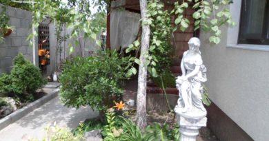 8/04 Двухкомнатный домик, улица Виноградная.